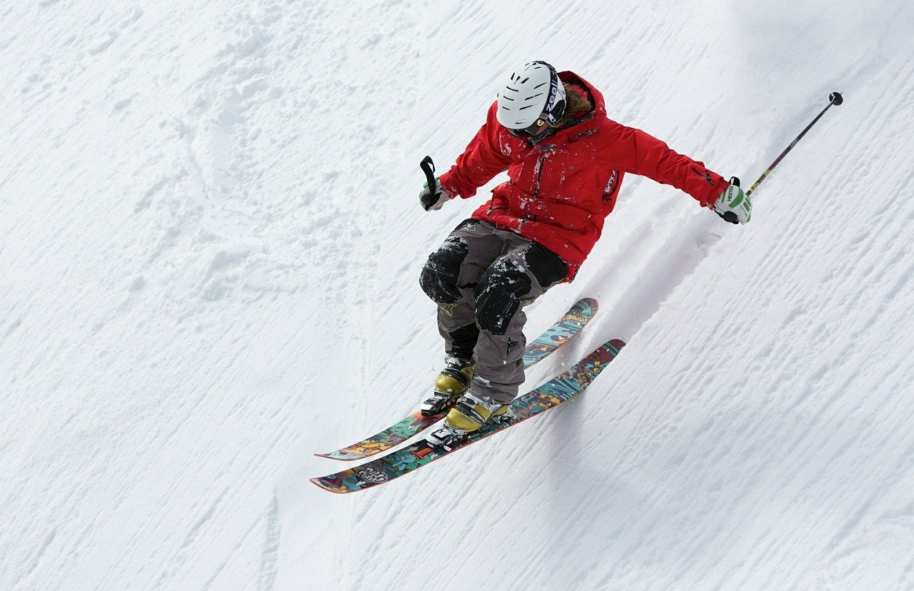 You are currently viewing Sports d'hiver : faut-il assurer ses skis ?
